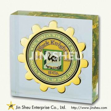 customized paper weights Gleaming success: etched paperweights with your logo give logo crystal and glass paperweights to your best and brightest fast, friendly service when you order logo crystal and glass.